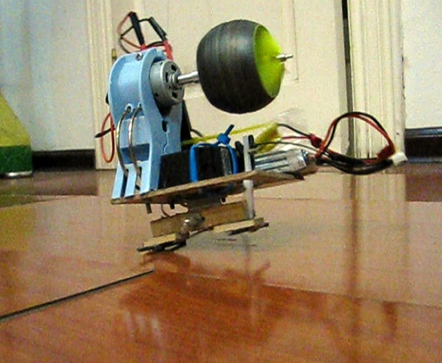 Gyroscopic Precession Robot (Version 2)